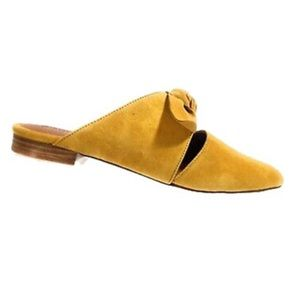 CHASE + CHLOE FIONE YELLOW POINTED FLATS
